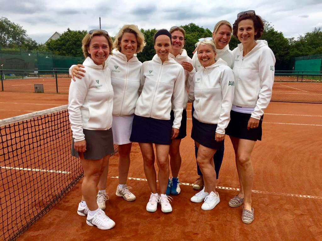 Von links: Anke Göttig, Jutta Vondung, Yvonne Peterwerth, Katrin Seidensticker, Annette Wasiak, Isabel Sacré, Angela Dausend.